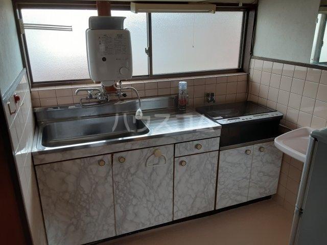 プチハイムキムラ 2-A号室のキッチン