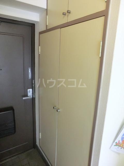 メゾンプラザ 412号室の玄関