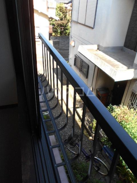 さくら荘 201号室のバルコニー