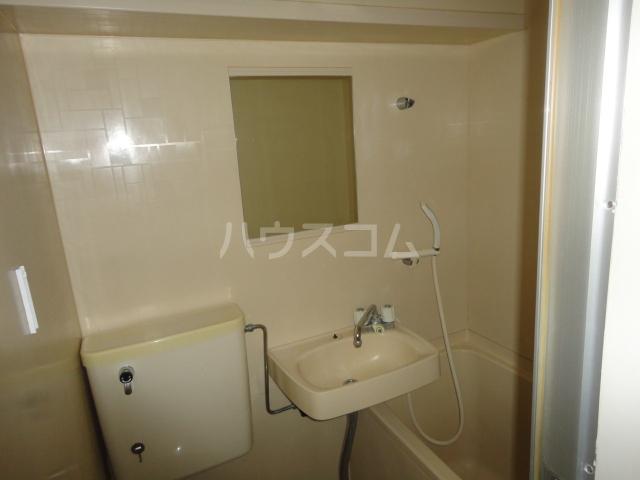 ラ・フォーレ池上 6A号室の洗面所