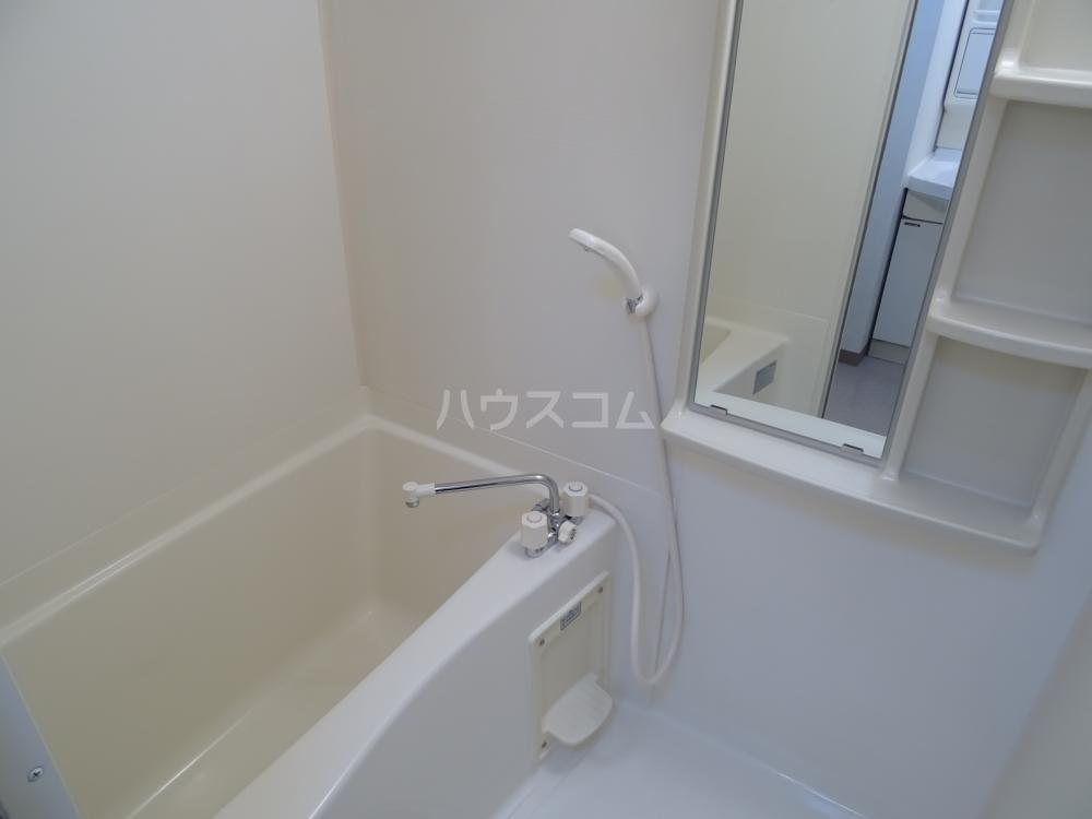ウインディレイ 105号室の風呂