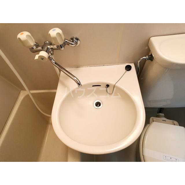 リモード本厚木A 107号室の洗面所