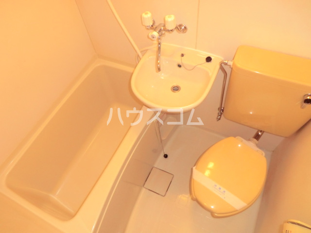 ユウパレス穴田 5C号室のトイレ