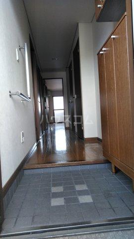 ワッフルハイツ 306号室の玄関