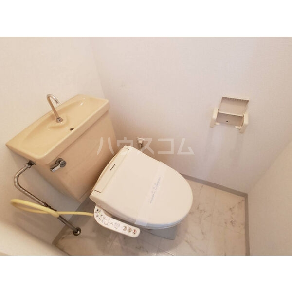 トーワピア戸祭 401号室のトイレ