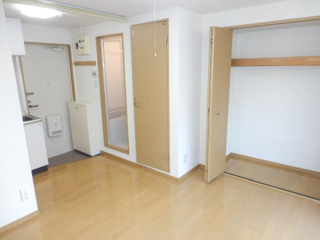 J・KマンションⅡ 205号室のリビング