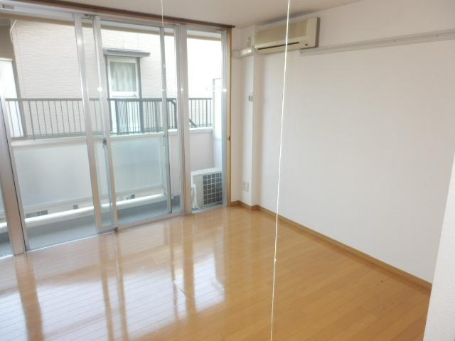 J・KマンションⅡ 205号室のベッドルーム