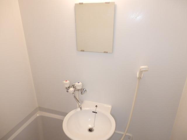 J・KマンションⅡ 205号室の洗面所