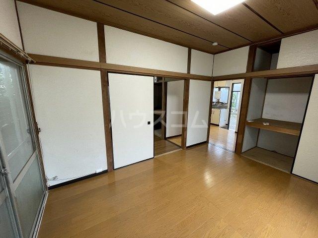 福寿荘 1-D号室のリビング