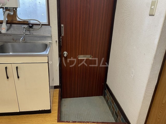 福寿荘 1-D号室の玄関