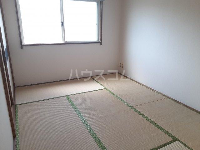 COM′S-1 202号室の居室