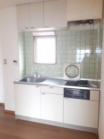 COM′S-1 202号室のキッチン