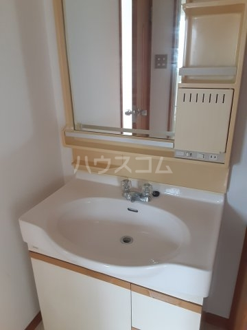 COM′S-1 202号室の洗面所