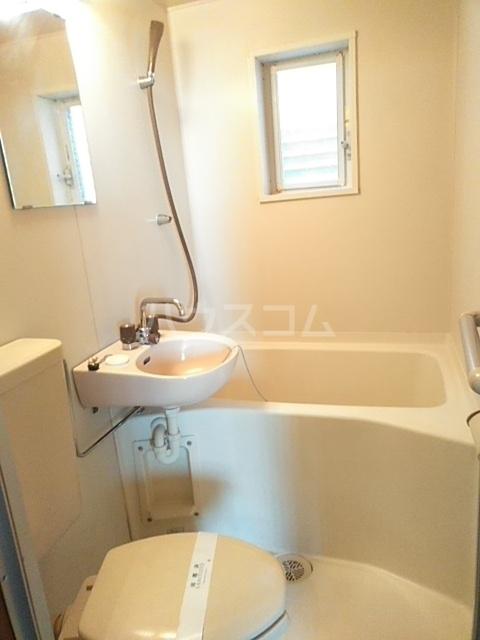 アップルハウスⅡ 102号室の風呂