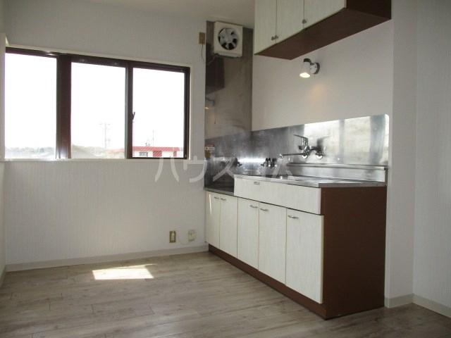 レスポワール曳馬Ⅱ 303号室のキッチン
