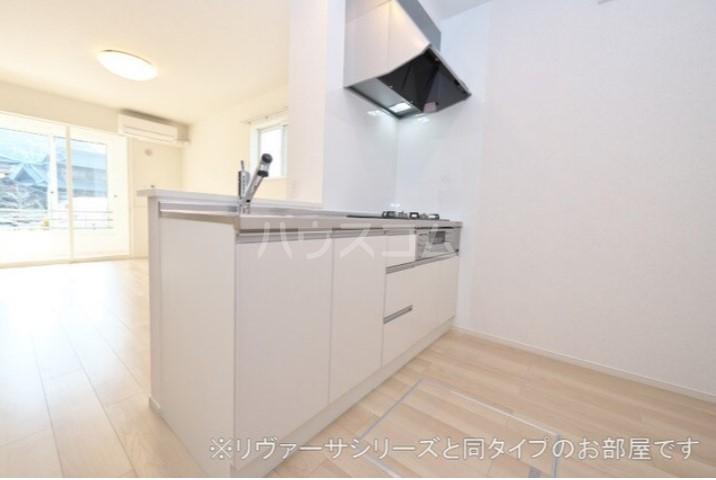 フォレストガーデン 上柴 01020号室のキッチン