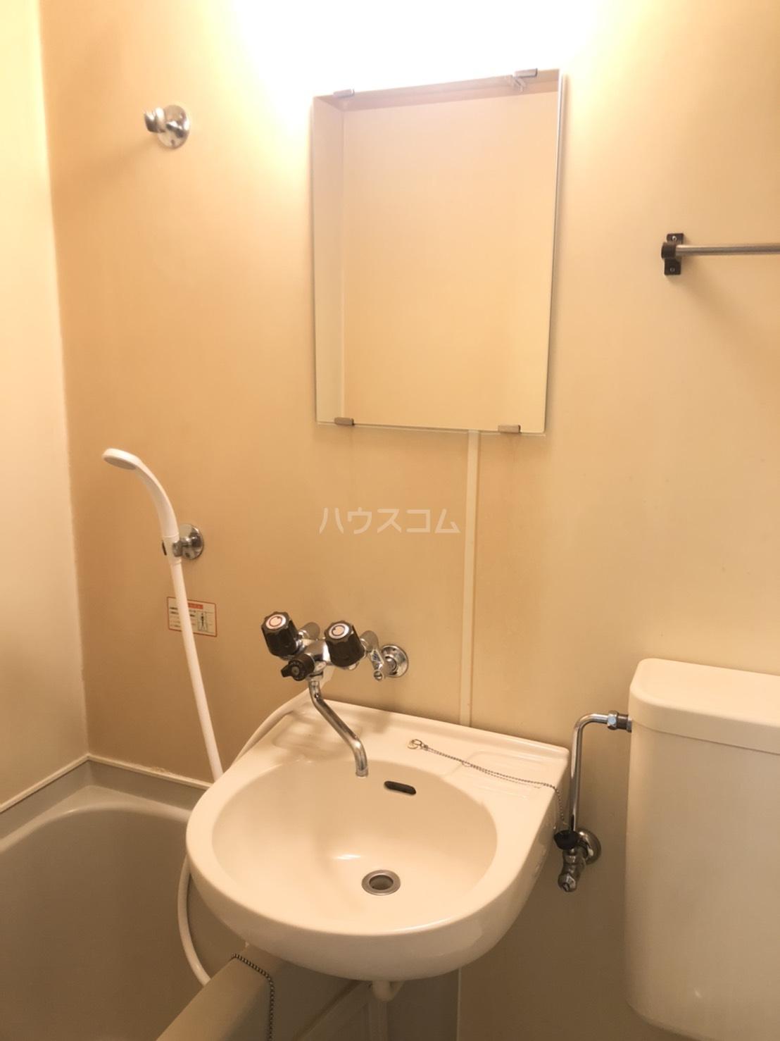 E-STORY黒川 305号室の洗面所