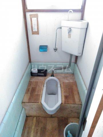 浅見荘 12号室のトイレ