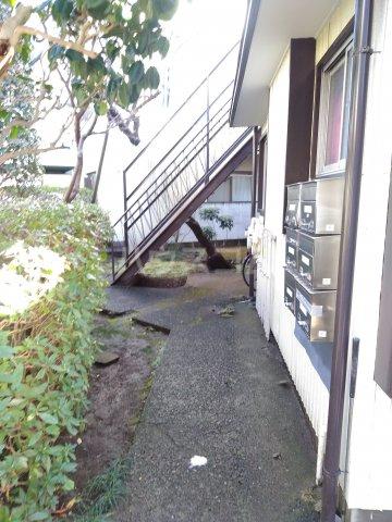 浅見荘 12号室のエントランス