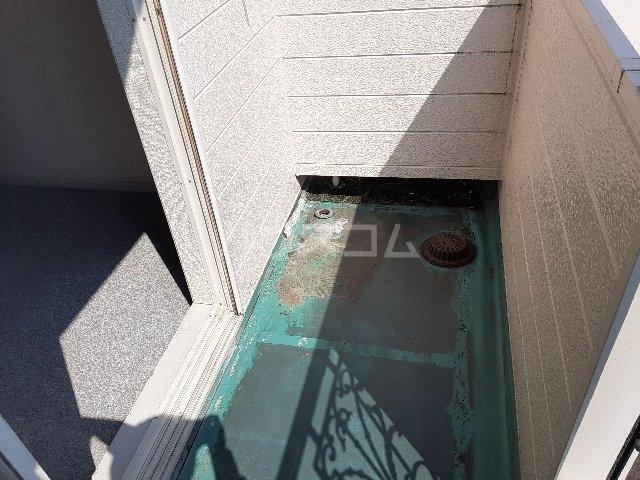 Azur新守山 206号室のバルコニー