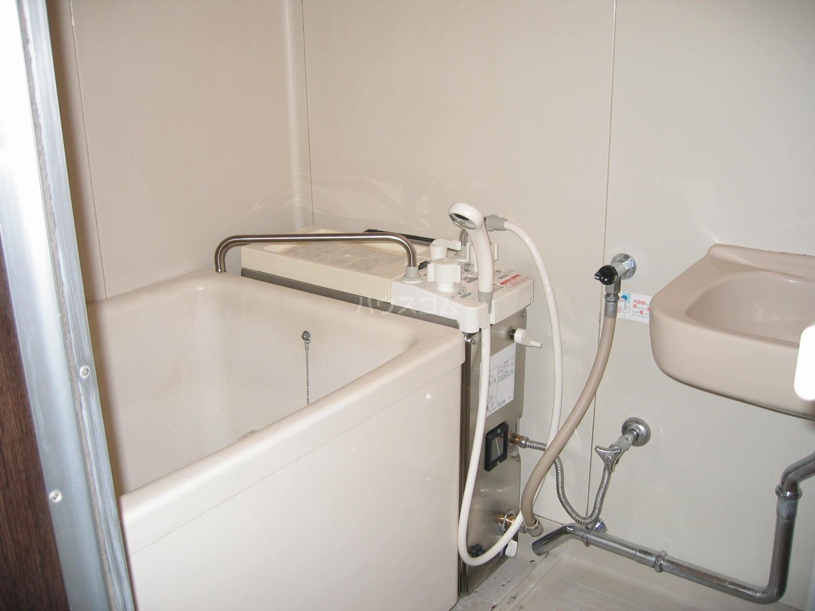 ツインハイツ A-201号室の風呂