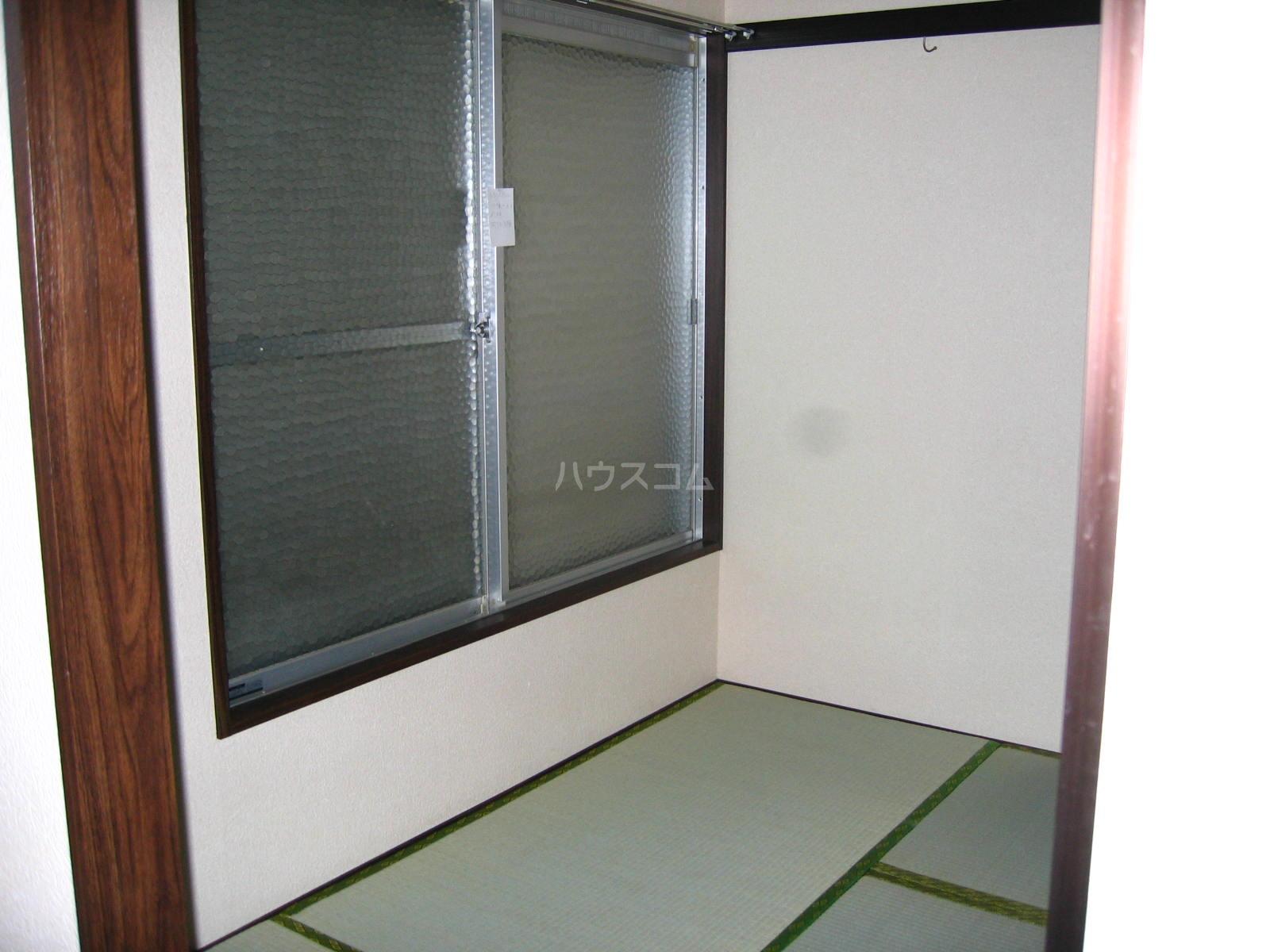 ツインハイツ A-201号室の居室