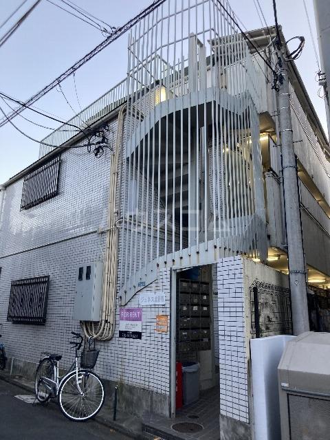 ジュネス北新宿の外観