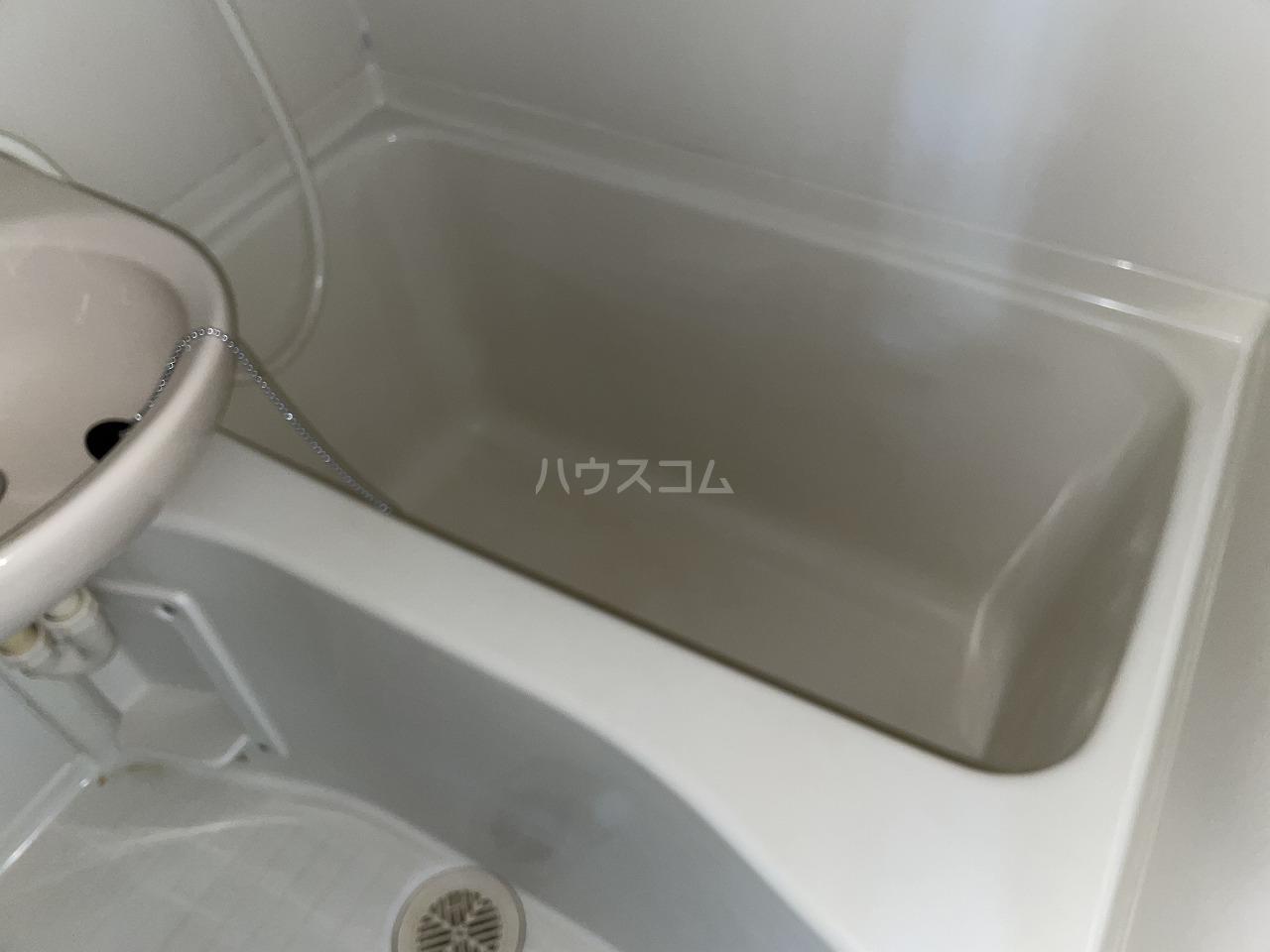 ラファール苗田 303号室の風呂