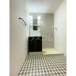 山名屋ビル 503号室の洗面所
