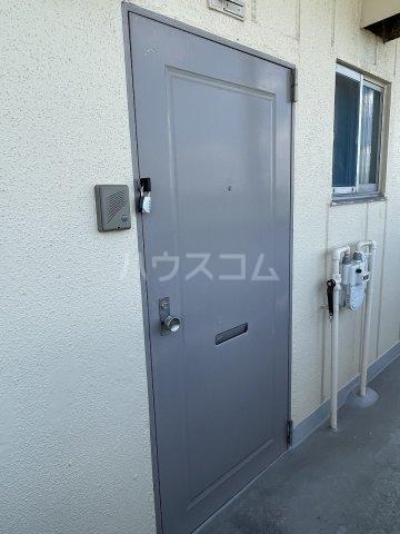 コーポ岡田 305号室の玄関
