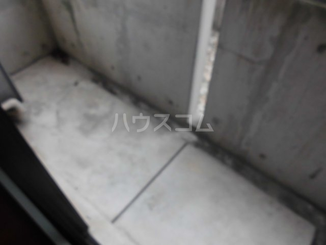E-STORY新守山 102号室のバルコニー