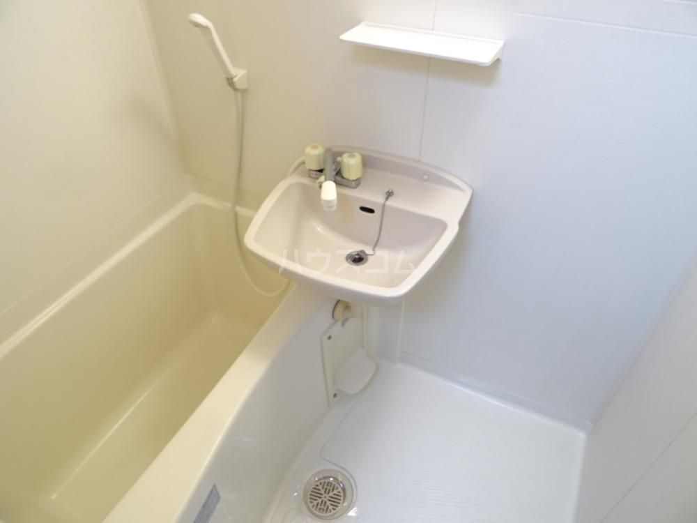 スターターハウス 203号室の風呂