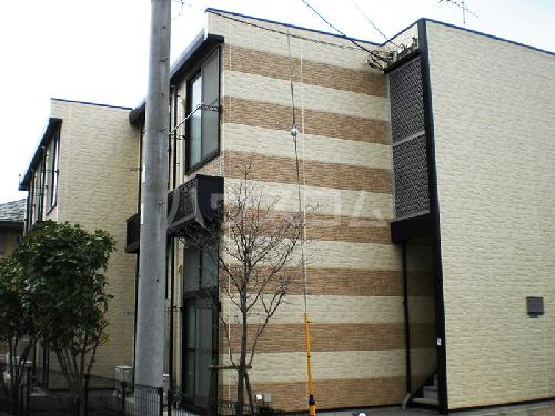 レオパレスフローラ茅ヶ崎の外観