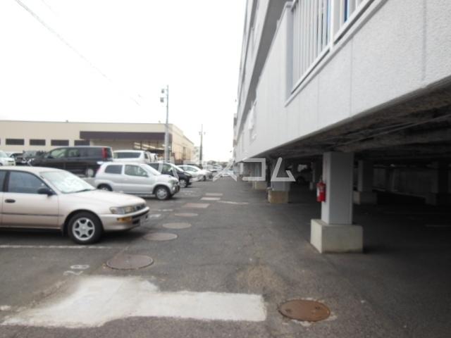 シャンポール三栄前山Ⅰ 202号室の駐車場