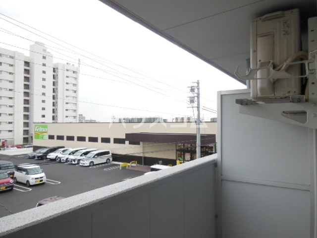 シャンポール三栄前山Ⅰ 202号室のバルコニー