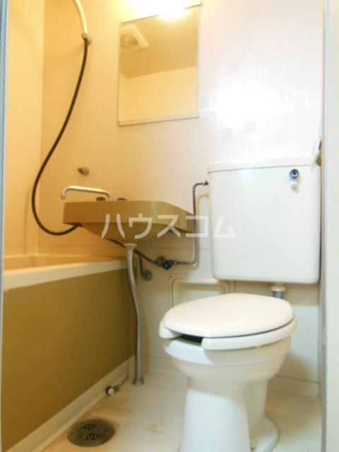 シャンポール三栄前山Ⅰ 202号室の風呂