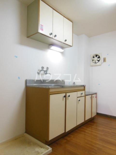 シャンポール三栄前山Ⅰ 202号室のキッチン