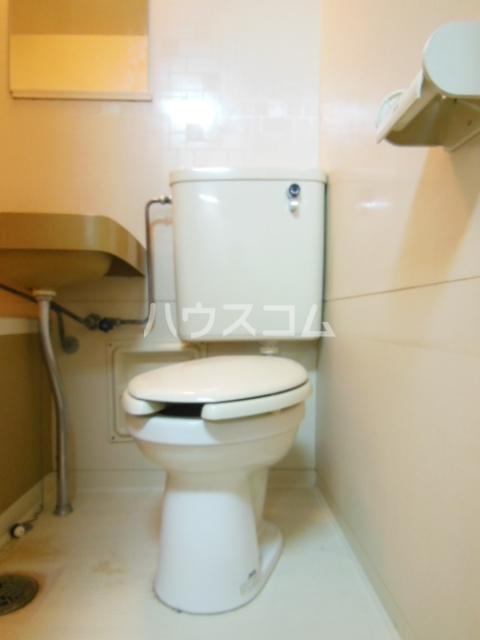シャンポール三栄前山Ⅰ 202号室のトイレ