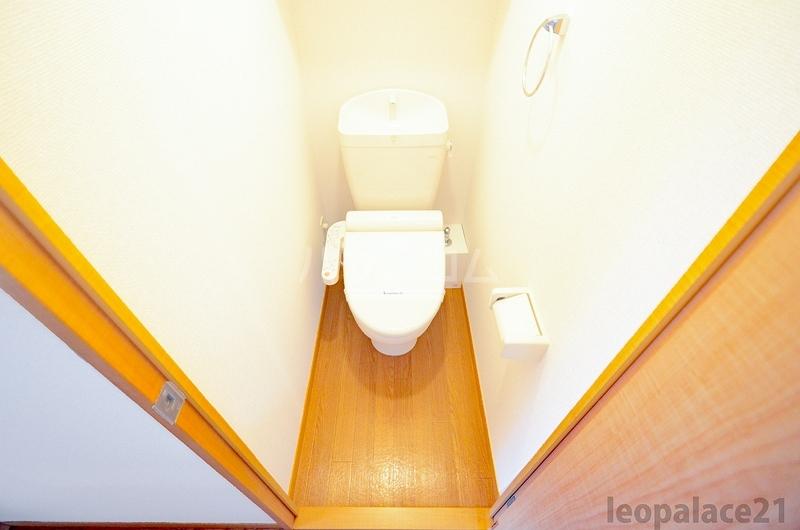 レオパレス平尾 403号室のトイレ