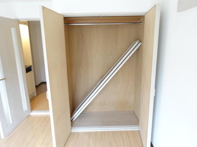 第22長栄エバグリーン桂川 401号室の収納