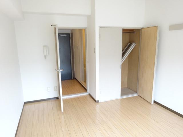 第22長栄エバグリーン桂川 401号室のベッドルーム