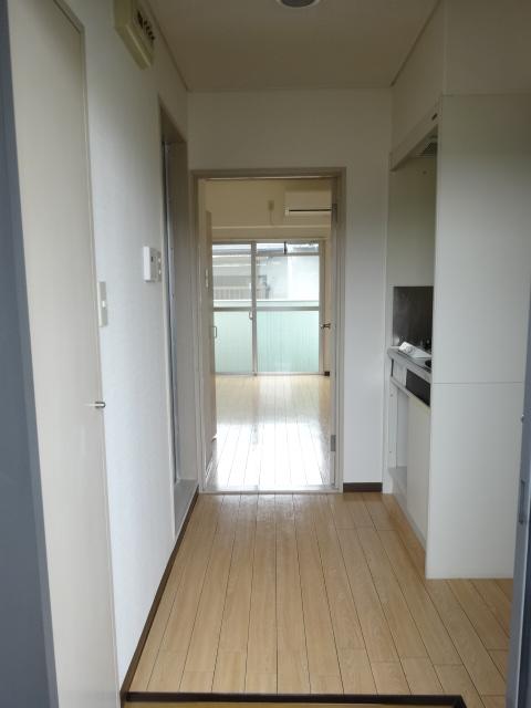 第22長栄エバグリーン桂川 401号室のキッチン