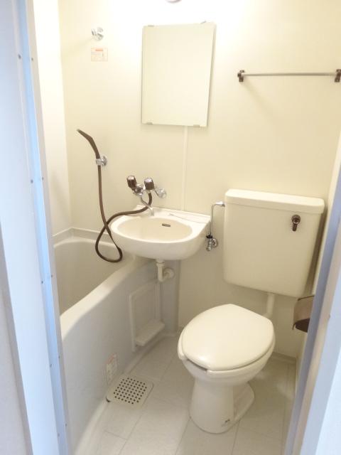 第22長栄エバグリーン桂川 401号室のトイレ