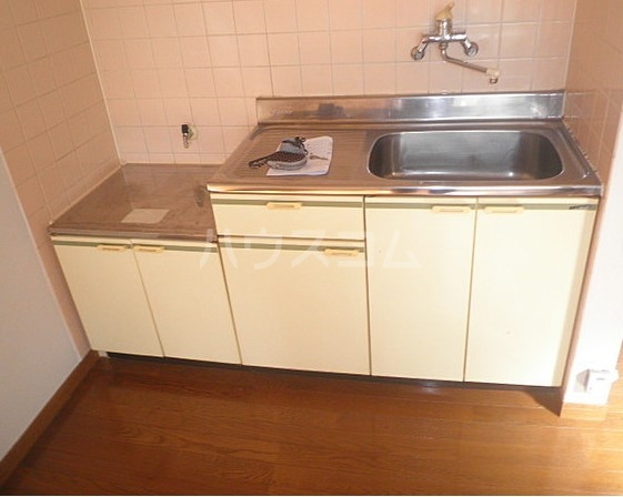 エルミタージュ 102号室のキッチン