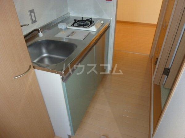 コーラルリーフ 302号室のキッチン