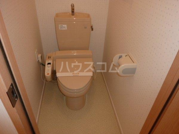 コーラルリーフ 302号室のトイレ