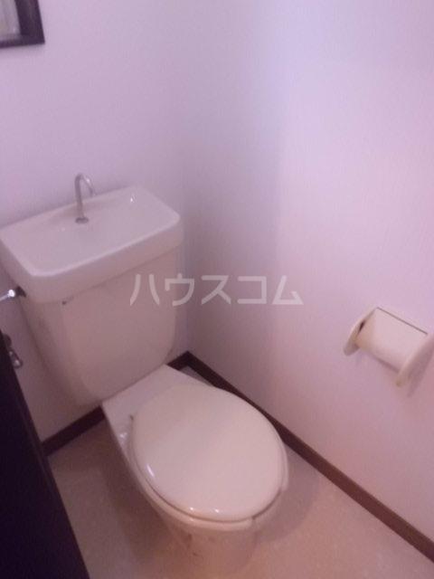 チェルシー 102号室のトイレ