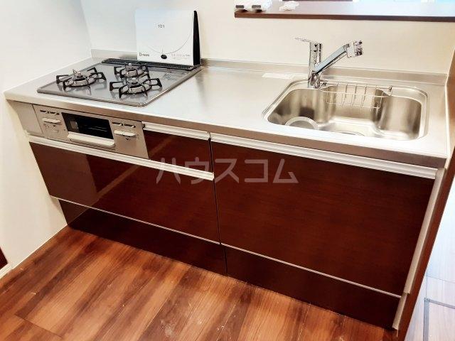 メゾンレジデンス 205号室のキッチン