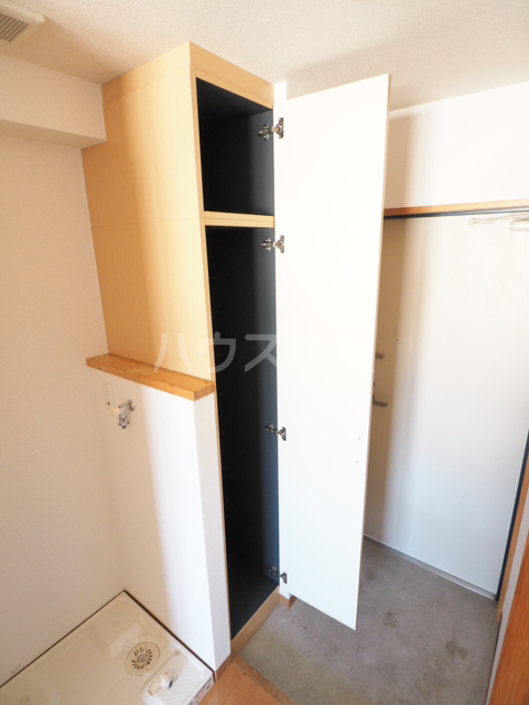 メゾンG.PRO 303号室の収納