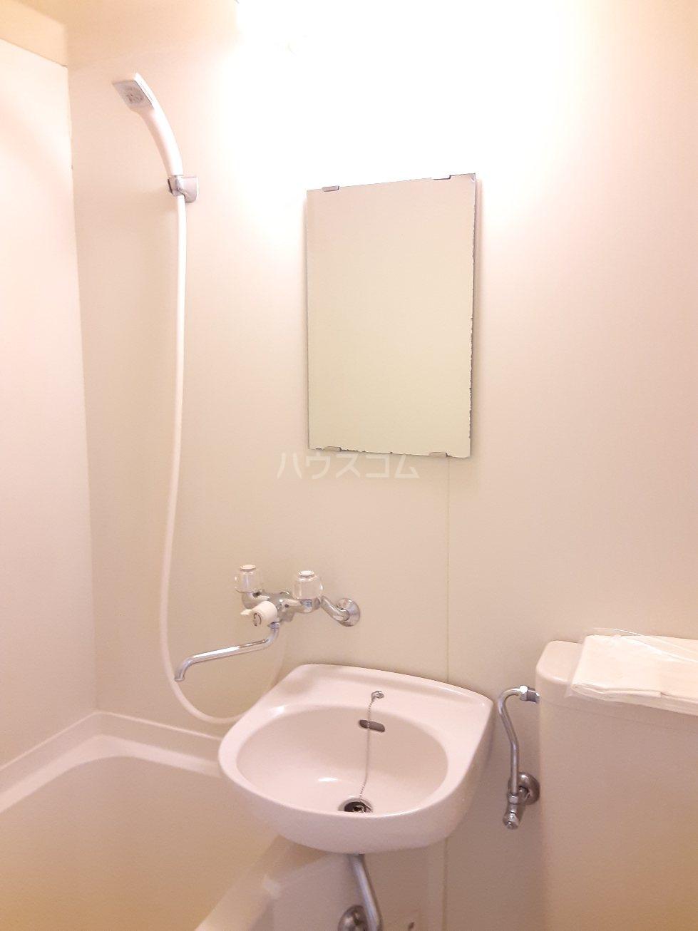 コナビック西塚 Ⅱ 2E号室の洗面所